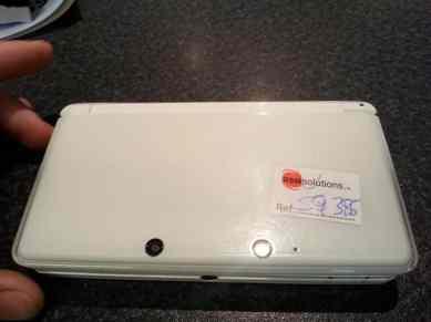 My 3DS had broken shoulder pads