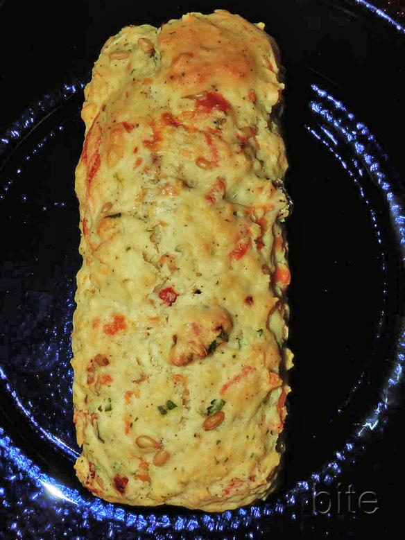 quick sun-dried tomato and cheese bread