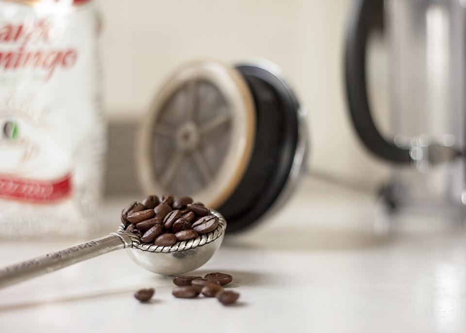 how to french press - santo domingo coffee / bitebymichelle.com