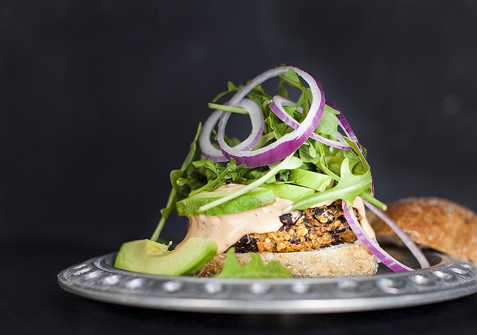 black bean and quinoa burgers – move over tofu