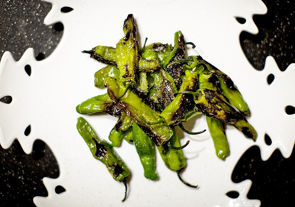 blistered shishto peppers - quick and dirty - bite