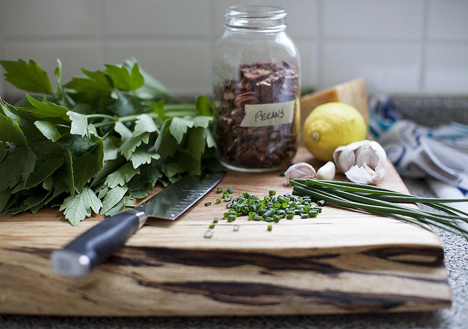 lovage pesto – herbalicious
