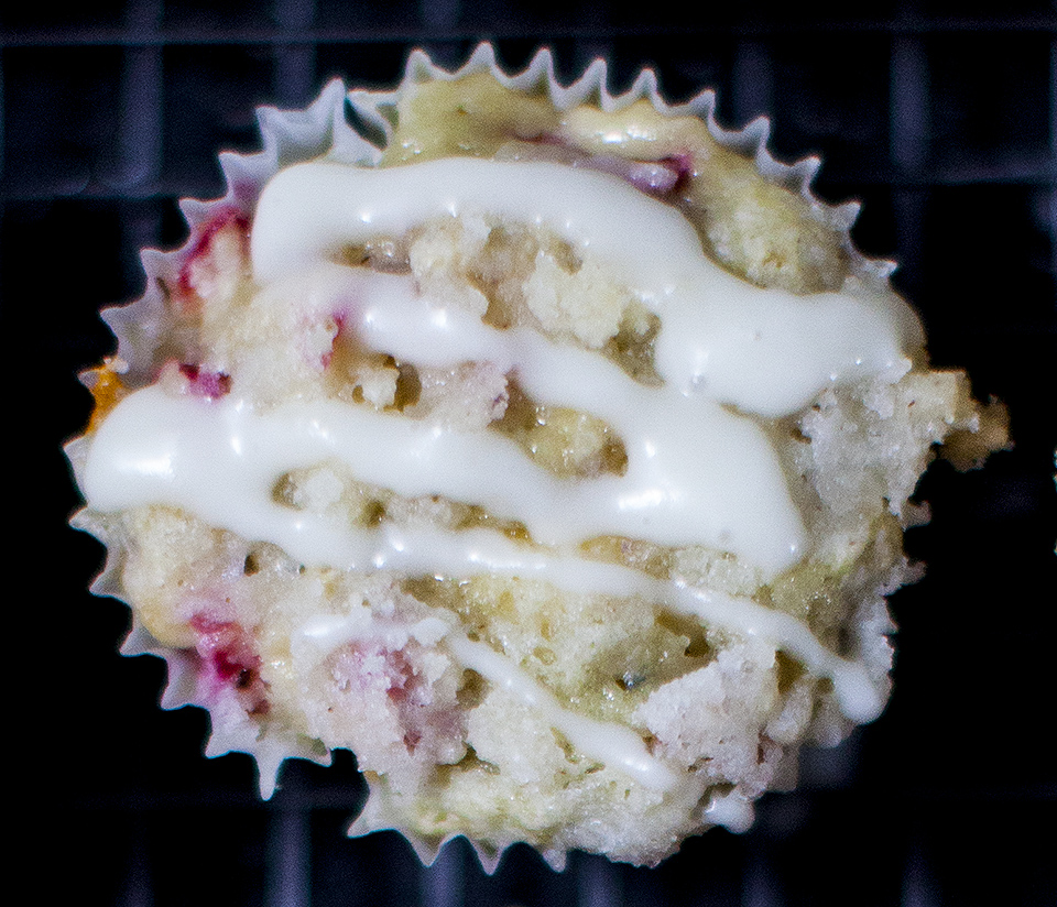 RHUBARB CREAM CHEESE CUPCAKES WITH LEMON DRIZZLE l bitebymichelle.com