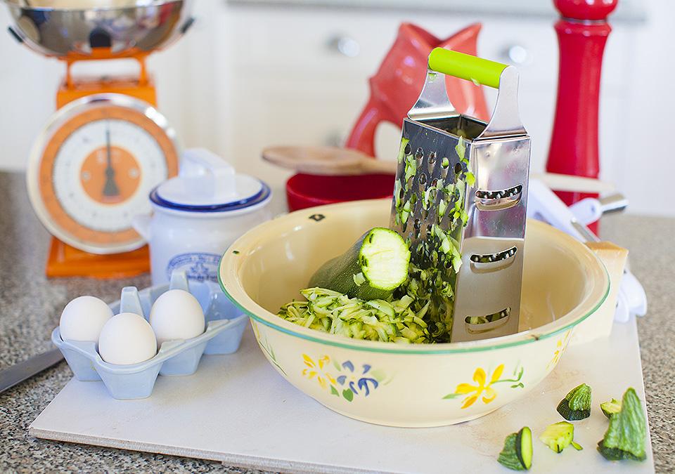 zucchini fritters l bitebymichelle.com