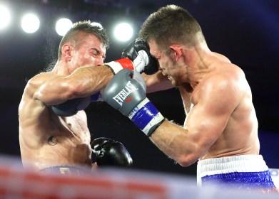 Tyler_Howard_vs_Christian_Olivas_action7