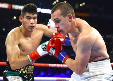 Gilberto_Ramirez_vs_Tommy_Karpency_action3