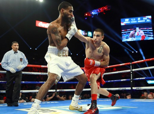 Andy_Vences_vs_Albert_Bell_action2