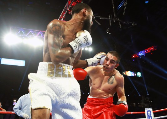 Andy_Vences_vs_Albert_Bell_action3