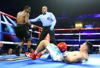 Michael_Seals_vs_Elio_Trosch_knockdown