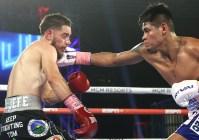Emanuel_Navarrete_vs_Ruben_Villa_action5