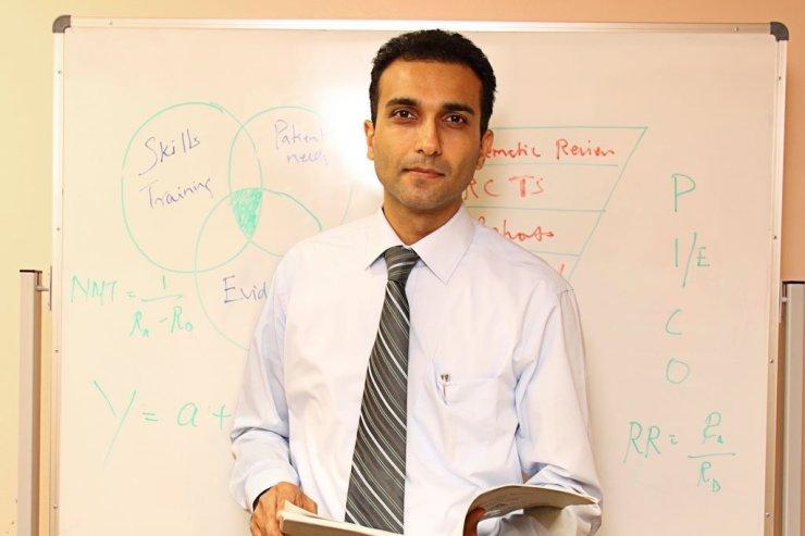 Dr Manish Arora