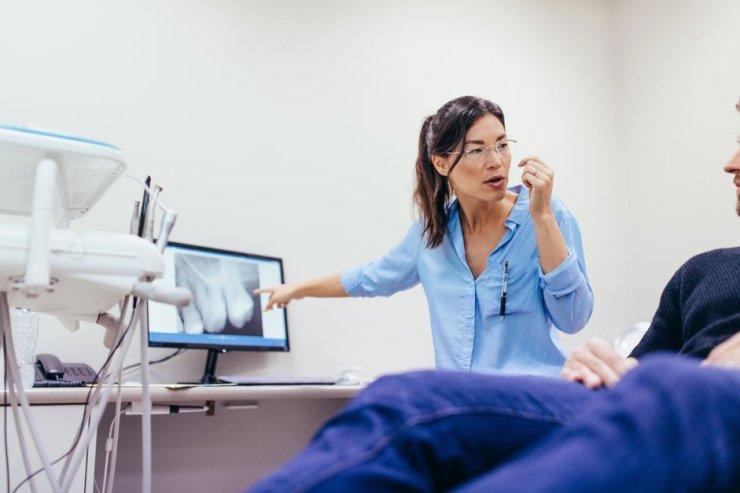 oral health therapist