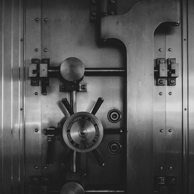 guardedbox gestor contraseñas online herramienta solucion ciberseguridad raul siles monica salas dinosec juan jose torres compartir secretos