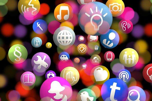 Horas de conexión en redes sociales