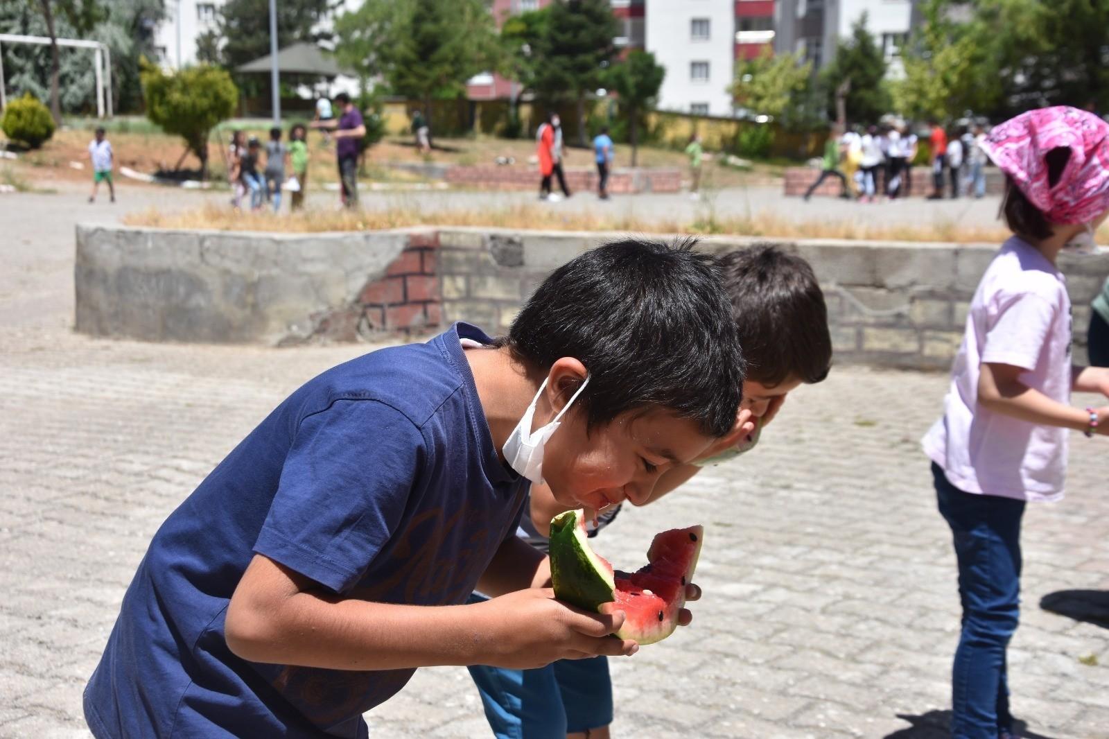 Bitlis'teki bütün okullarda telafi eğitimi verilmeye başlandı