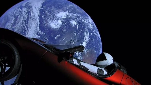 tesla-roadster-in-space-9-750x422