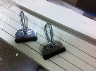 SLIDEING HANGERS WITH INSERTED HANGING HARDWARE