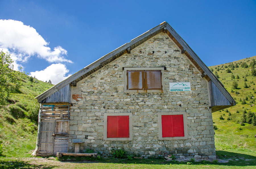 Read more about the article Mountain Hut Shiroka