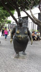 bronze statue of large lady in the pedestrian area of San Jose