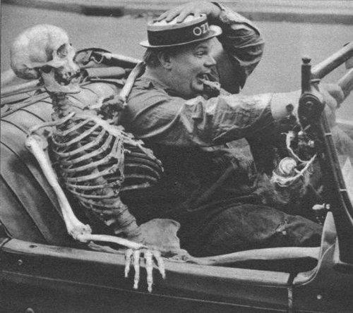 Caption contest skeleton