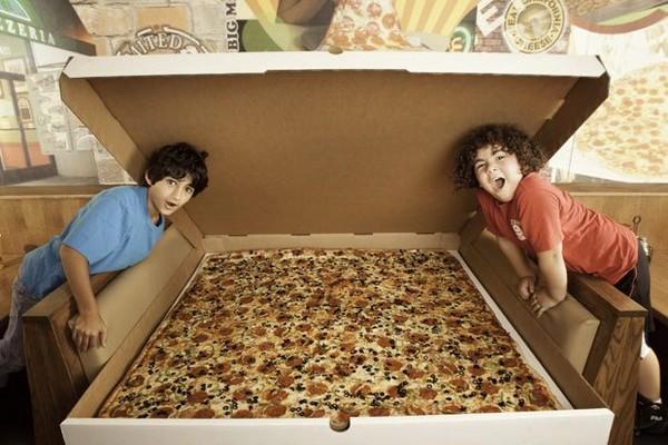 XXXL pizza