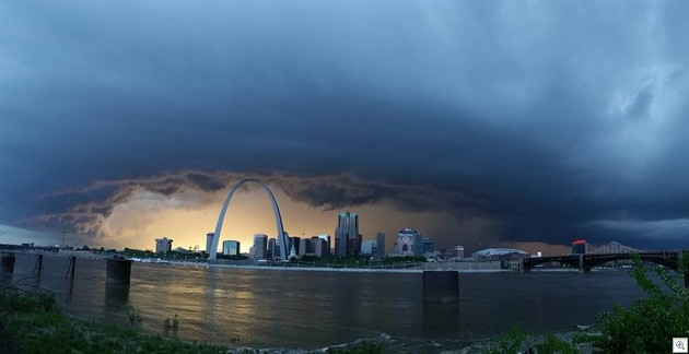 Stor over St. Louis