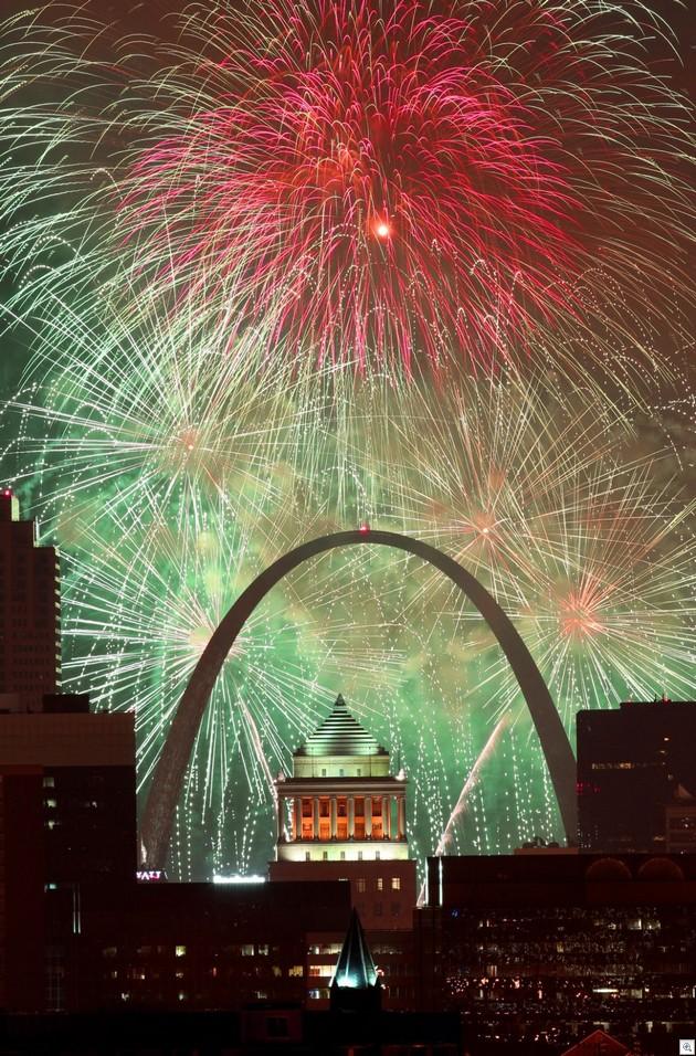 Arch Fireworks2