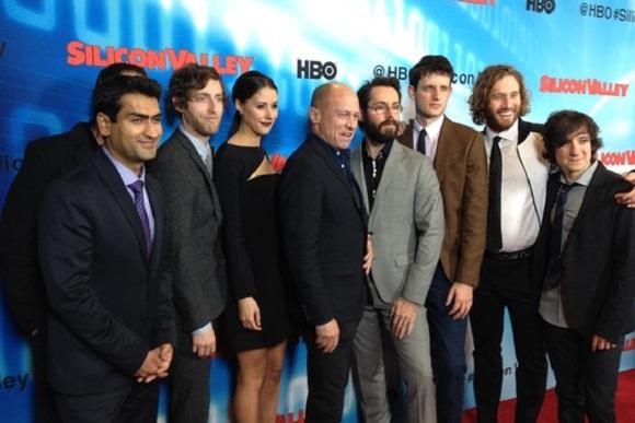 Mike Judge y el elenco de Silicon Valley