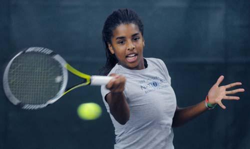 кортбольшой теннис девочка