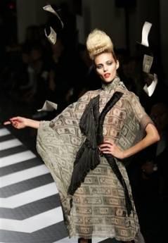 345,http---d.yimg.com-a-p-ap-20090307-capt.10a815d6db624223a7a14d5e2999c135.france_fashion_xfm106.jpg