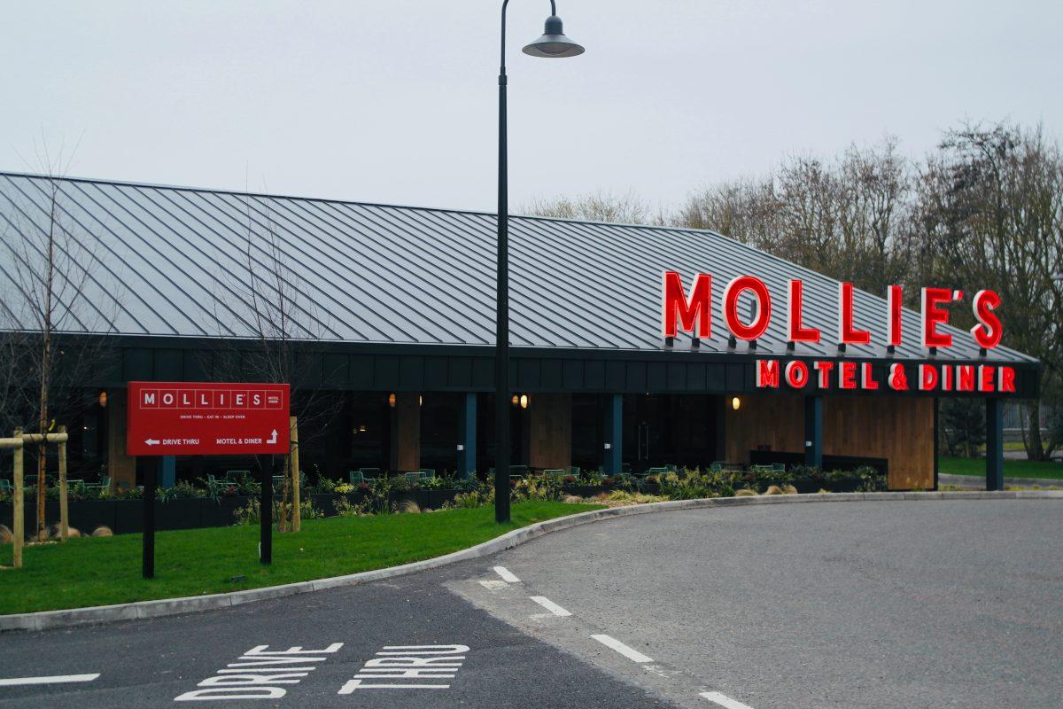 Mollie's Motel & Diner - A420 Buckland, Faringdon, Oxfordshire   Image Credit Bitten Oxford