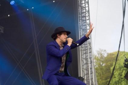 Maximo Park live at Bingley Festival