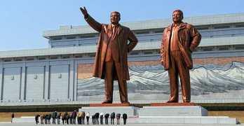 Monumenti in Mansudae (Mansu Hill) in Pyongyang, North Korea.