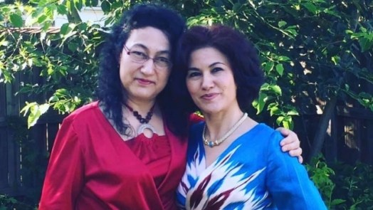 Dr. Gulshan Abbas, left, with sister Rushan, right.