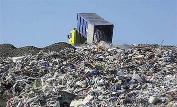 Întârzieri la închiderea depozitului de deşeuri Hîrlău