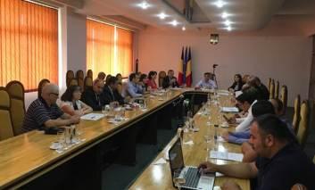 Lecţie usturătoare pentru consilieri şi juriştii Primăriei Paşcani, privind serviciile de apa si canalizare
