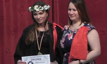 """Curs de absolvire, la Liceul Tehnologic """"Mihai Busuioc"""" Pascani. Andreea Nica, sefa de promotie - FOTO VIDEO"""
