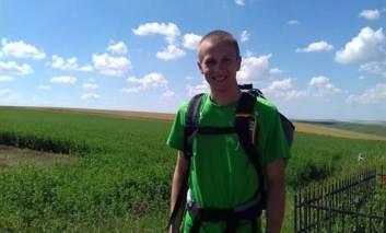 Un student din Suedia a pornit pe jos de la Iași la Pașcani. E încântat de ce a văzut
