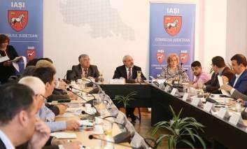 Conducerea județului în ședință la Pașcani