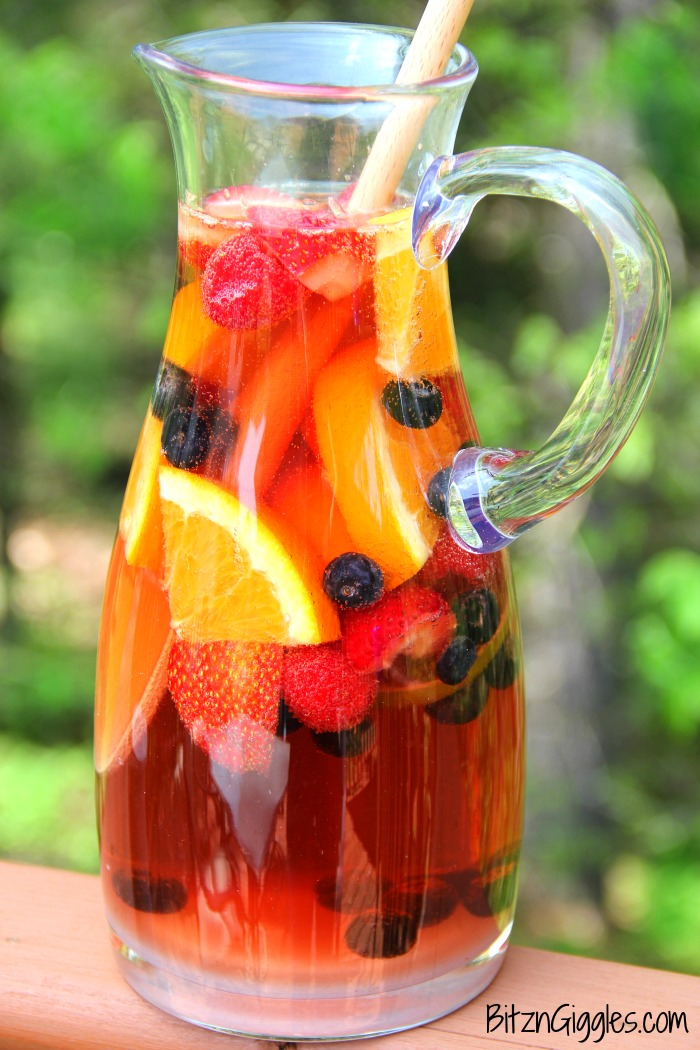 Berry Wine Spritzer - A delicious, refreshing and light sparkling spritzer infused with fresh berries and citrus!