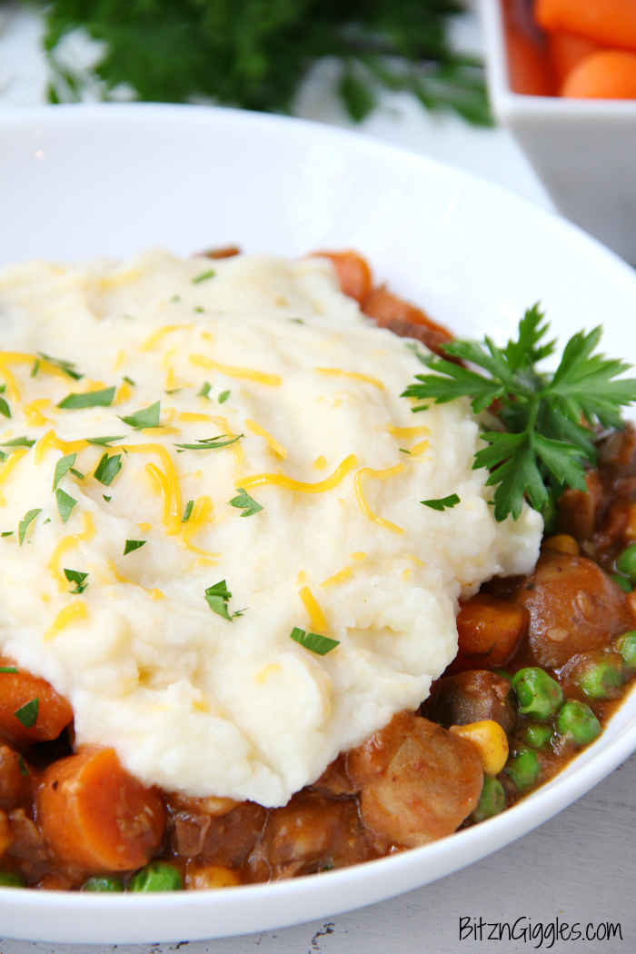 Crock Pot Shepherd's Pie - Homey and comforting, loaded with satisfying chunks of beef and veggies in a thick, rich gravy.