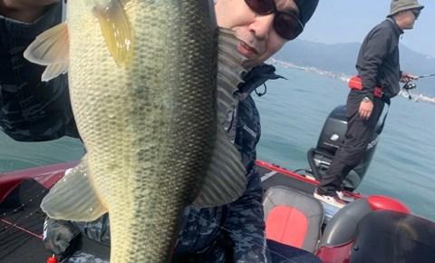 4月6日ガイドは魚の動いた先にはアジャスト出来ても食わせ方が難しかったですね!