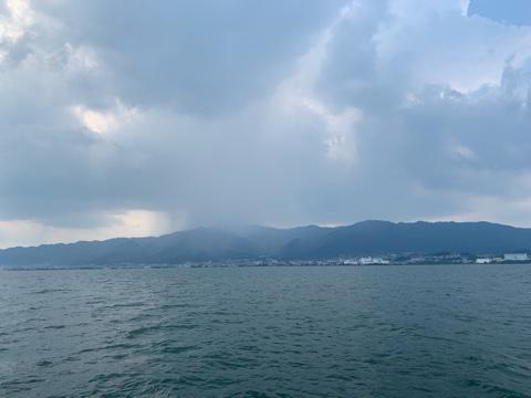 7月31日琵琶湖ガイドはジャスターシャッドの弱チューンのコアユブルーに救われました。