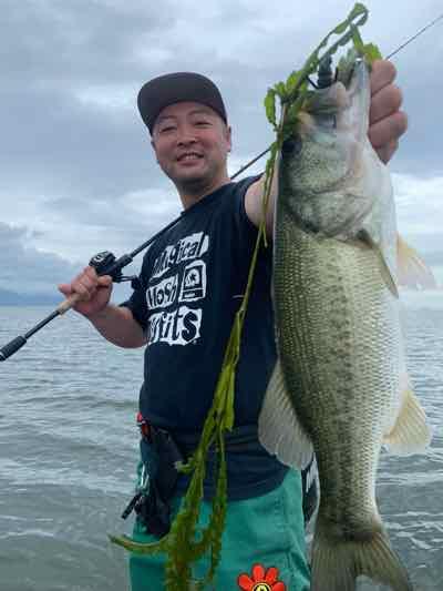 7月28日琵琶湖ガイドはちょっとでもデカイのを!という依頼でGETNETジャスターホッグTXで貴重な1発も8バイト全部取りたいゾ!