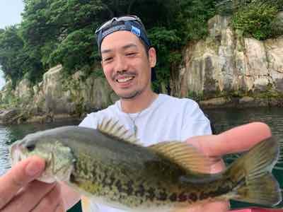8月4日琵琶湖ガイドは夏休み親子バスフィッシングはGETNETジャスターフィッシュ3.5と2.5のダウンショットで!