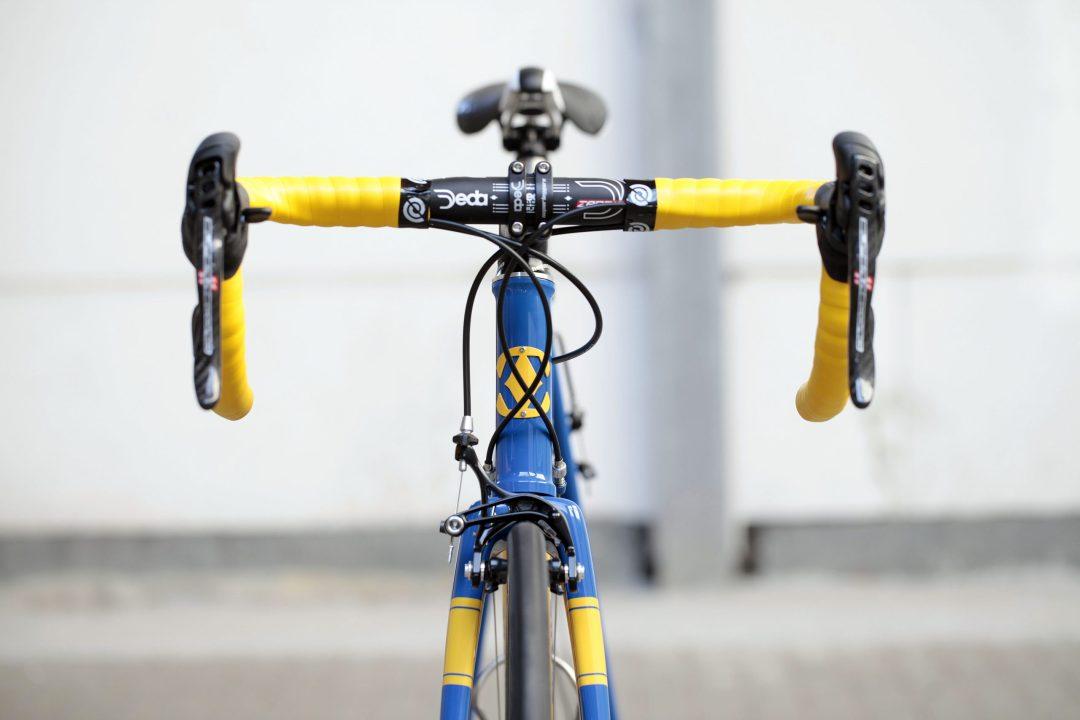 02 Dettaglio manubrio di Bixxis Prima, bicicletta artigianale in acciaio realizzata a mano da Doriano De Rosa 017