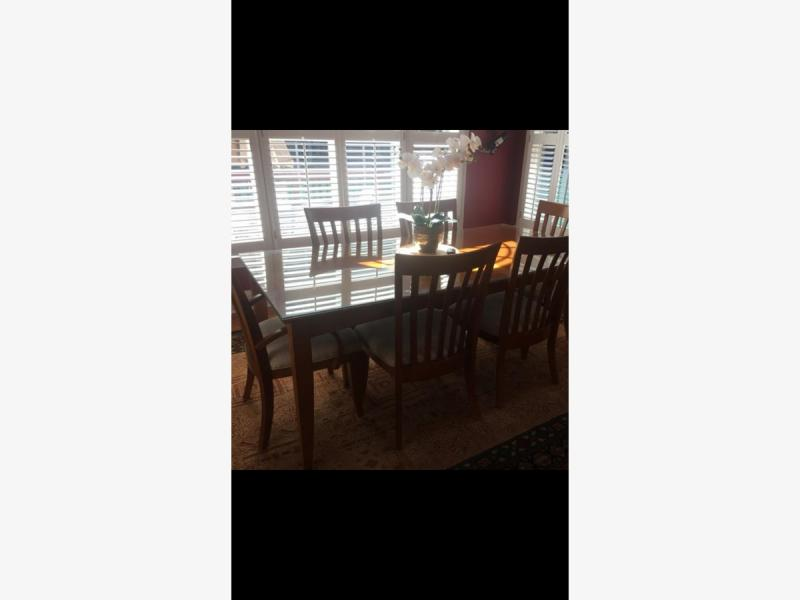 Dining room table with six chairs from Haverty