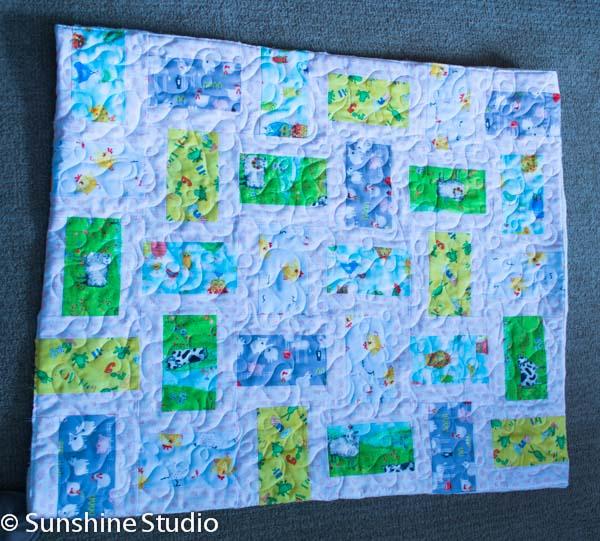 animal-farm-baby-quilt-1