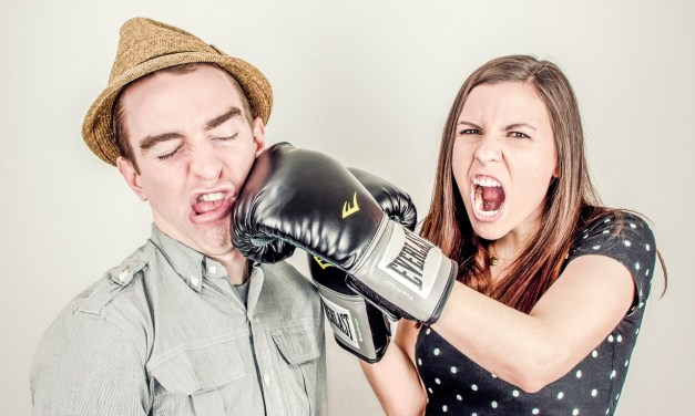 5 Tips to Manage Employees Who Fight Each Other to Win Favortism from You