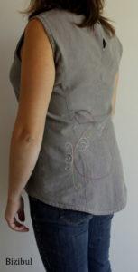 la tunique patchwork avec son dessin/broderie en piqué libre à l'arrière